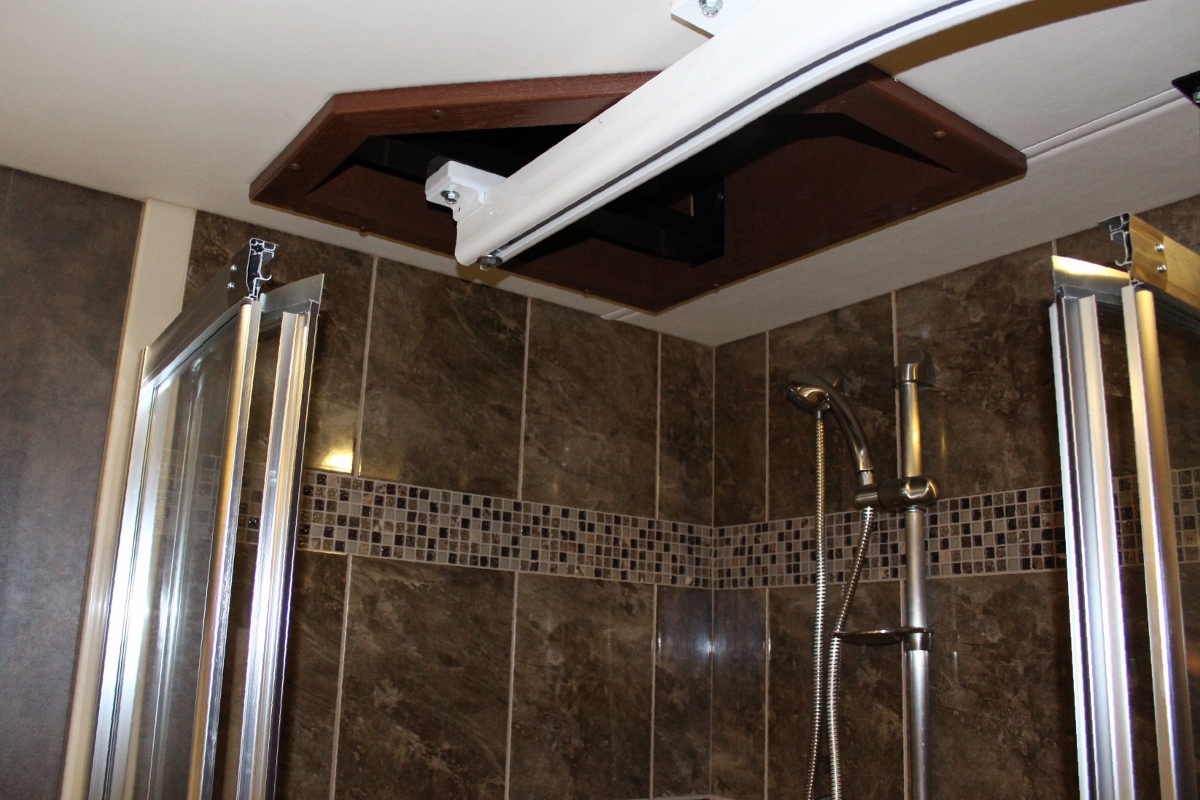 Entegra Anthem With Overhead Ceiling Lift