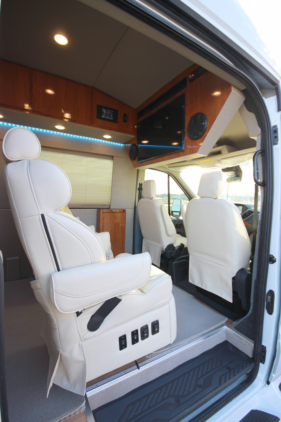 Custom Luxury 4x4 Ford Transit