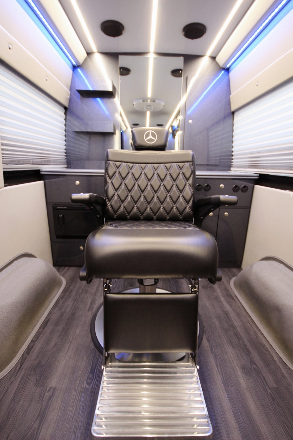 Mercedes Sprinter Van >> Mobile Barber Shop