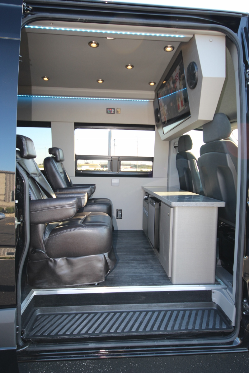 Mercedes Sprinter Passenger Van >> Executive Seated Entertainment Sprinter