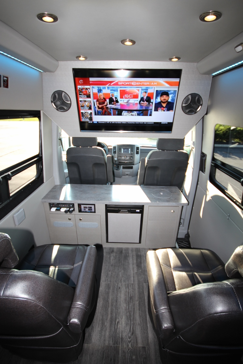 Mercedes Sprinter Van >> Executive Seated Entertainment Sprinter