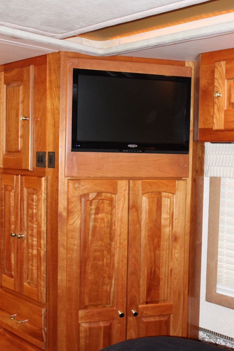 Rv Coach Motorhome Retrofits Televisions