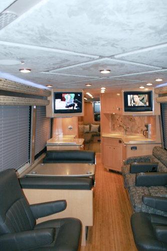 Prevost Mobile Office Coach